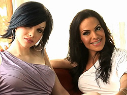 Foxxy sarina and john. TS hotties Foxxy and Sarina having sex with a guy