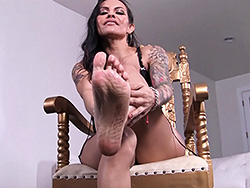 Gold throne. Busty and dirty Foxxy foot fetish
