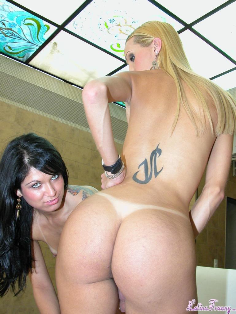 Renata davila loves vagina and she gets some and make love it